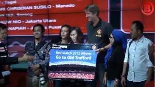 Van Der Sar Akhiri Kunjungannya Di Indonesia