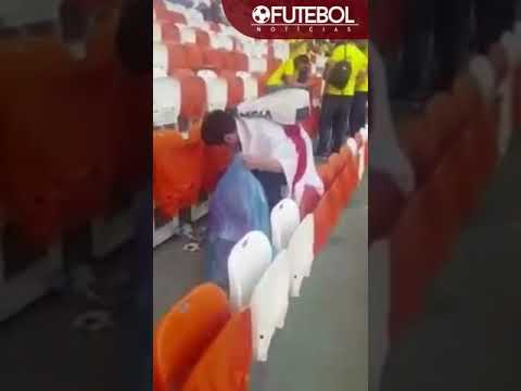 Japanese fans clean up stadium after their win vs Colombia