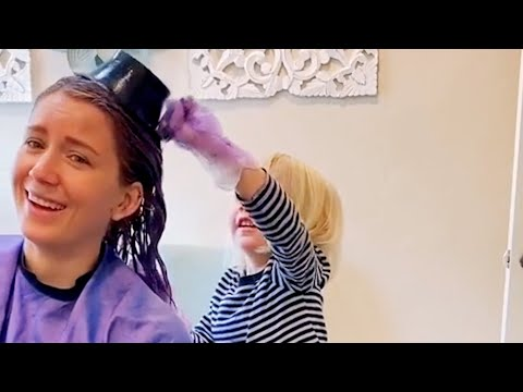Little Girl Dyes Moms Hair During Quarantine: Best Videos of The Week