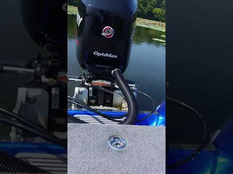 Mercury 175 pro xs, noise after crank up