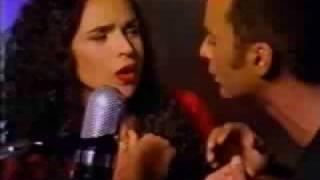 """John Secada & Daniela Mercury  -  """"Si no te Conociera"""" - Clip """"Pocahontas"""" (Disney)"""
