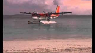 Malediven: Wasserflugzeuge starten und landen auf Meedhupparu