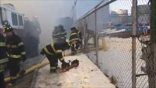 preview picture of video 'PART 1 OF 3 OF FDNY ON SCENE BATTLING MASSIVE 7 ALARM WAREHOUSE FIRE IN WILLIAMSBURG, BROOKLYN, NYC.'