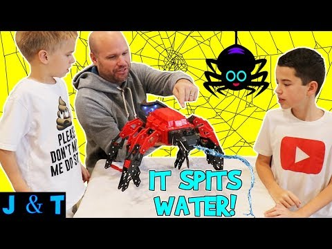 KID FRIENDLY ROBOT SPIDER SPITS OUT WATER! Lots of family fun/ Jake and Ty