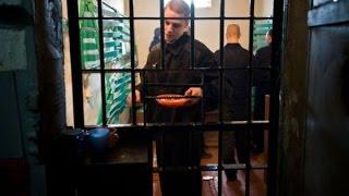 Будни опущенного петуха в тюрьме