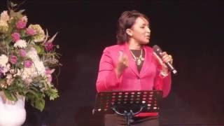 La Profeta Nancy Amancio Predíca: La Sabiduria (Congreso Mujer Única 2016) Lima  Peru