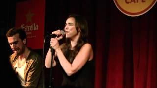 RUTINAS - Chenoa (20/12/11 Hard Rock Café Bcn) [HD]