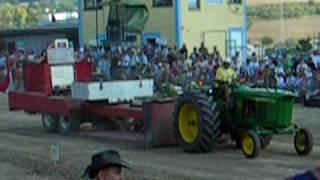 preview picture of video 'John Deere @ Traktor Pulling WRT-Ring Hollabrunn'