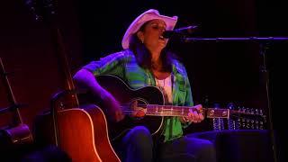 "Terri Clark ""Three Mississippi"" Live in Hopewell, VA, 9/22/17"