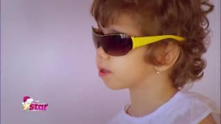Delia, o fetiță de 5 ani, din Bârlad, s-a născut fără mâini și picioare