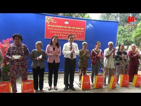 Chủ tịch Ủy ban Trung ương MTTQ Việt Nam tặng quà Bộ đội Biên phòng và hộ nghèo 2 huyện Tịnh Biên và Tri Tôn