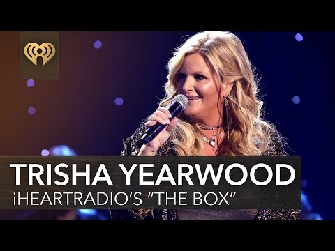 "Trisha Yearwood On Working With Kelly Clarkson, 'Every Girl' Album + More In iHeartRadio's ""The Box"""