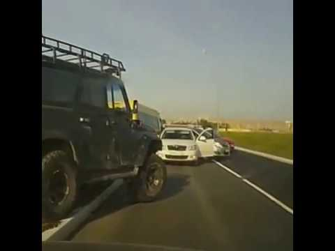 Idiots In Cars - Terrible Driving Skills
