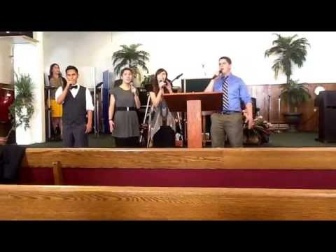 River valley apostolic house of worship youth. Singing Abre Los cielos.