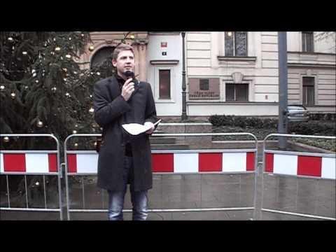 Návrh odpovědi premiéra Nečase kancléřce Merkelové a video z demonstrace