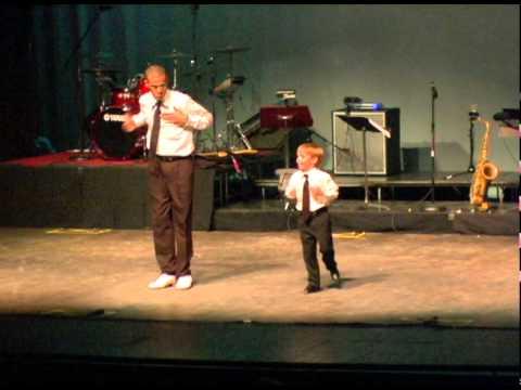 """ילד הפלא ורקדן הסטפס המפורסם שהצליחו להלהיב את ארה""""ב"""