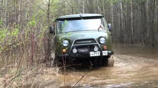 УАЗ с блокировками шлифует на Cooper STT.mp4