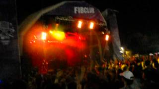 """Totally Enormous Extinct Dinosaurs performs """"Stronger"""" @ FIB2012"""