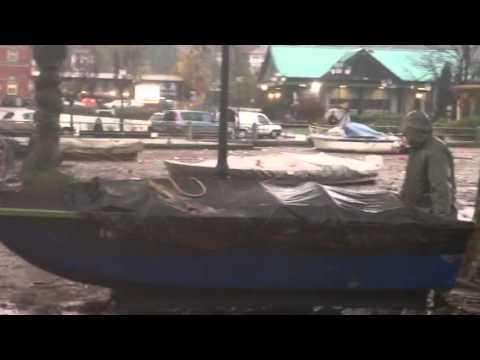 Barche in strada a Laveno
