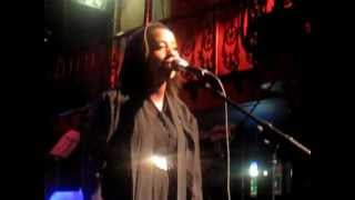 Cold Specks - Reeling The Liars In (Live @ Hoxton Hall, London, 20.06.12)