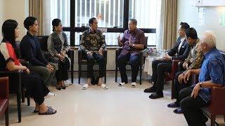 Jokowi Singgung Kesehatan Ani Yudhoyono Seusai Bagi Sertifikat Gratis