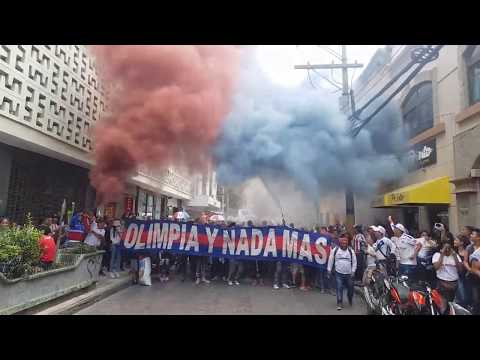 """ultra fiel el carrizal"" Barra: La Ultra Fiel • Club: Club Deportivo Olimpia • País: Honduras"