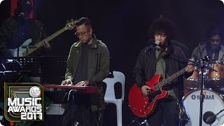 "Sud performs ""Sila"" at the MYX Music Awards 2017"