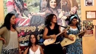 Грузинки поют на чеченском