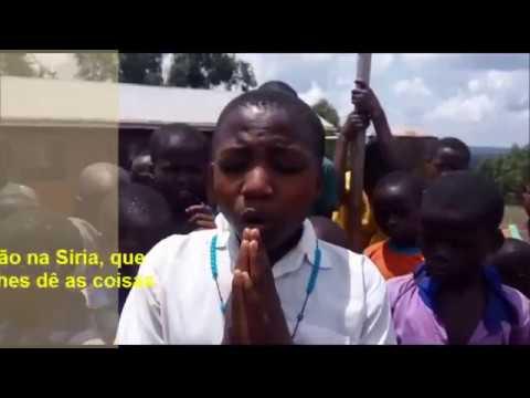Kareebinhos rezam Terço Mariano por todas as crianças que sofrem no mundo. Reze conosco!