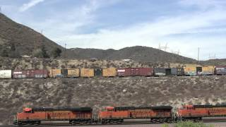 preview picture of video '[HD] Freight Trains at Cajon Pass, San Bernardino, CA'