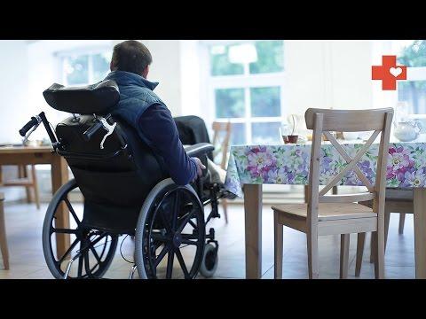 Как попадают в дом престарелых: история Володи