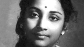 Geeta Dutt - Duniya se door tere bangle mein   - YouTube