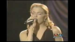 LeAnn Rimes - I Fall To Pieces [Live] HQ Audio