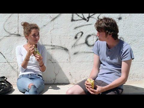 UN JEUNE POÈTE Bande Annonce (2015)