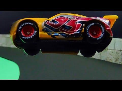 Cars 3 Cruz Ramirez Crash! What if Cruz switched to Lightning McQueen? Stop Motion Animation