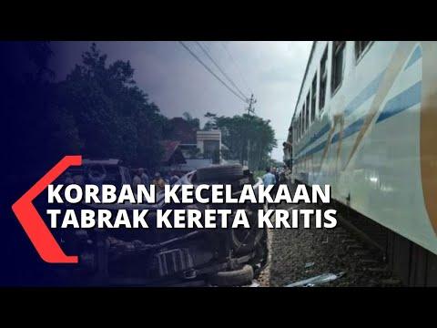 kereta tabrak mobil korban dalam kondisi kritis