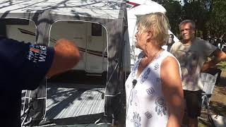 Erste Erfahrungen mit einem Luftzelt von Kampa - Die Nachbarin auf dem CP Gythion Bay berichtet.