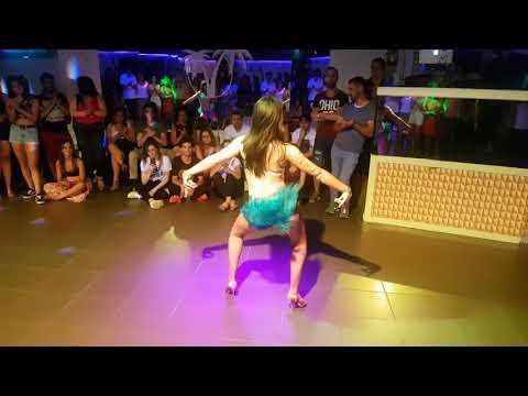 Show Bachata en Palmera Playa-Vigo... Julia Fernandez