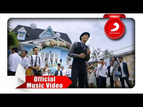 Sheila On 7 - Lapang Dada (Official Music Video) - Sony Music Entertainment Indonesia