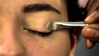 How to Take Care of a Puffy Upper Eyelid