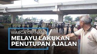 Wabah Covid-19, Warga Cipinang Melayu Tutup Jalan dengan Baja Ringan di Kalimalang