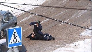 Под Наро-Фоминском рабочие устроили жестокую драку в стиле ММА - Подмосковье 2018 г.