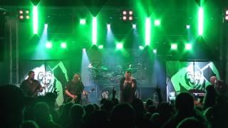 KOMUNÁL Hrobník a smrt ( live FRYYFEST )