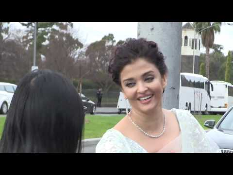 'Indian Celebrity Aishwarya Rai greets fans outside Melbourne hotel' 12/8/17