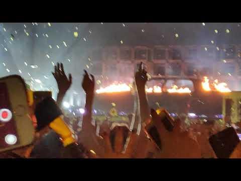 Jumpsuit/Levitate - twenty one pilots LIVE in Madrid