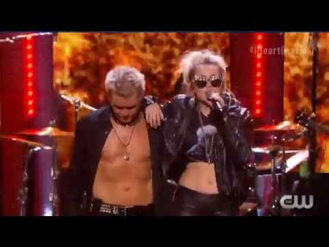 Billy Idol and Miley Cyrus Rebel Yell 23 09 2016