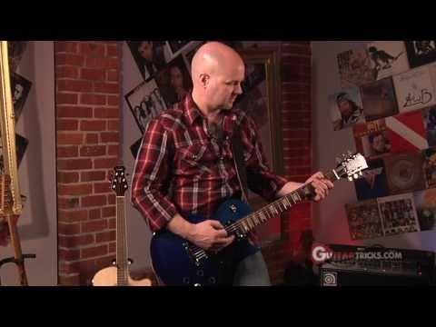 Laughing Wah Wah Pedal -  Electric Guitar Lesson - Guitar Tricks 77