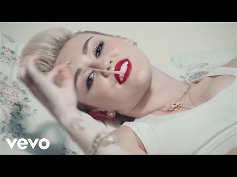 Miley Cyrus - Miley Answers Your Questions