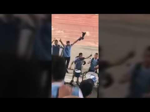 العرب اليوم - شاهد: جمهور الفيصلي الأردني يؤدي أغنية الرجاء المغربي