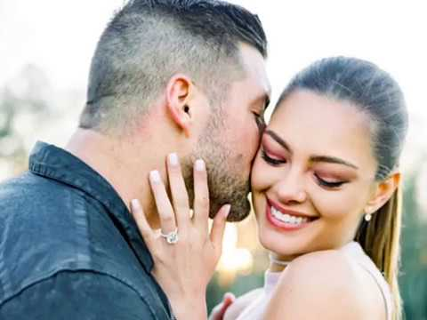 Tim Tebow engaged to Girlfriend Demi Leigh Nel Peters (Miss Universe 2017) | Engaged 2019 | Kiss